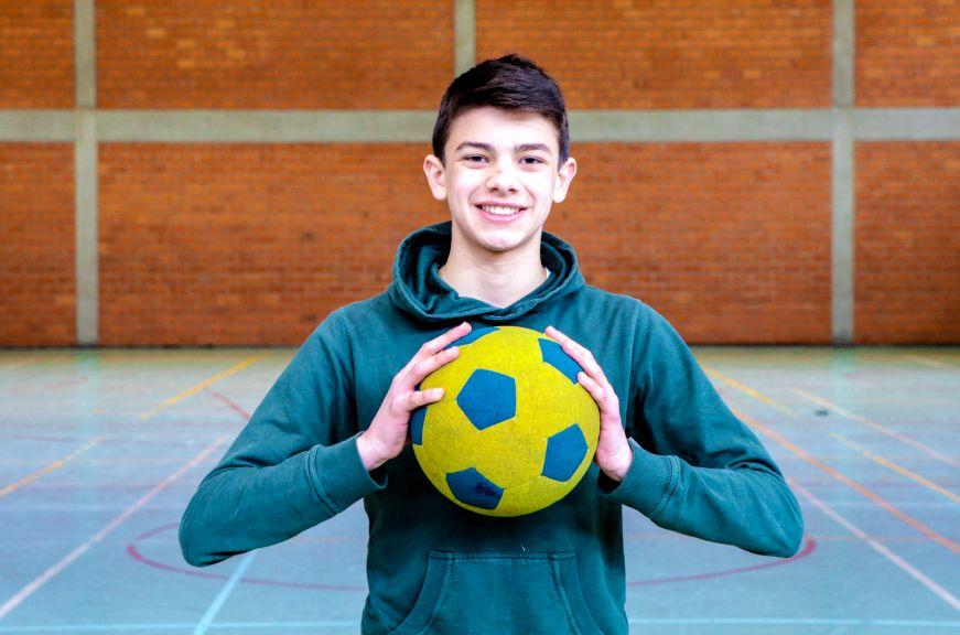 Filip Kujovic - Voetbal in combinatie met school